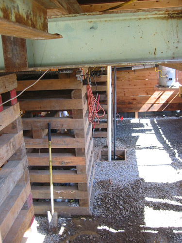 Basement with cribbing