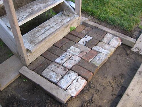 Brick stoop