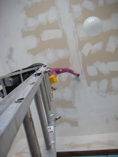 Mudding the ceiling