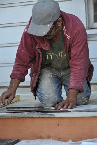 Jose setting tiles