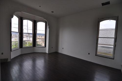 Front bedroom floor